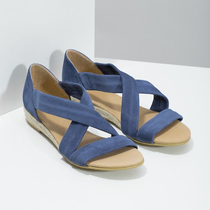 Niebieskie skórzane sandały na koturnach bata, niebieski, 563-9600 - 26