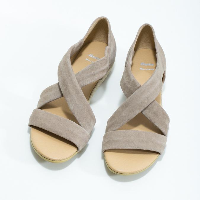 Skórzane sandały na koturnach bata, brązowy, 563-4600 - 16