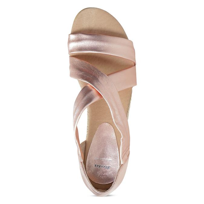 Sandały damskie na koturnach wkolorze różowego złota bata, brąz, 566-5649 - 17